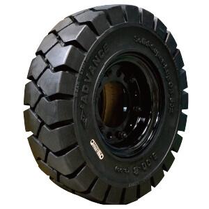 アドバンス 黒タイヤ